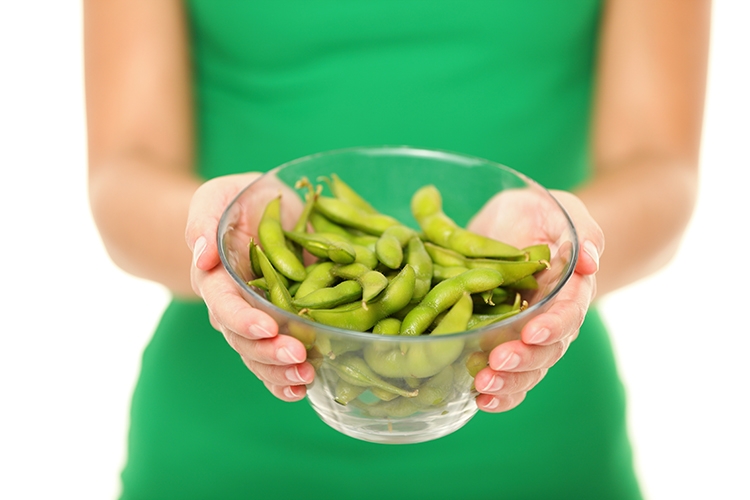 Having trouble sticking to your diet? Sacrificing snacks to cut back on calories? Big mistake! Check out these nutritionist-recommended 12 secret healthy snacks for weight loss and burn fat while boosting your metabolism today!